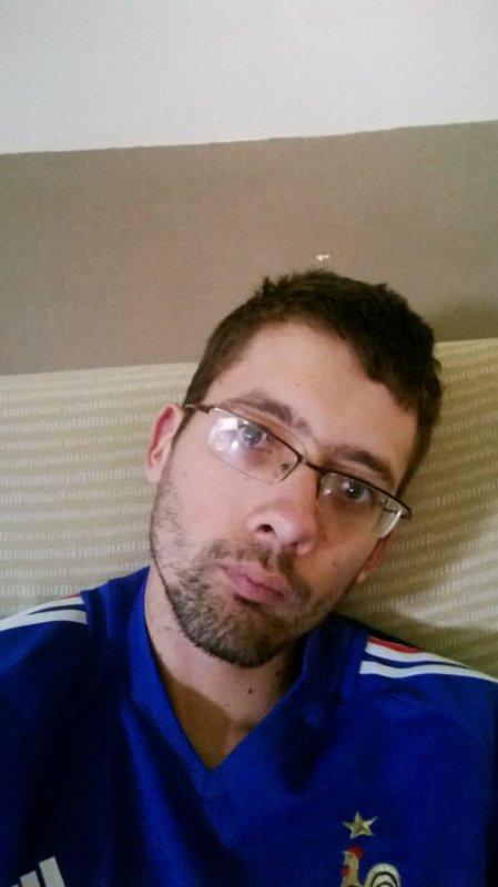 alban77480  fête ses 31 ans demain, pense à lui offrir un cadeau.Aujourd'hui à 19:55