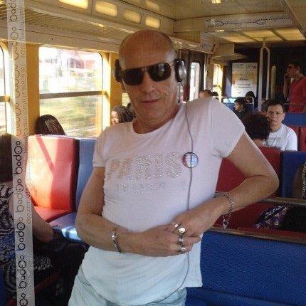 gayboy050  fête aujourd'hui ses 56 ans