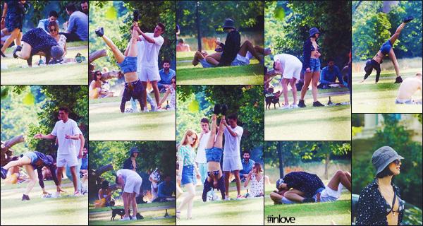 15/07/2018 - Notre belle Dua Lipa était avec son boyfriend, Isaac - dans un   parc  de Londres Larvik • UK.  + Dua Lipa  semble s'amuser comme une petite folle avec son petit-ami pour son day - off, j'adore ! Un gros top pour elle.