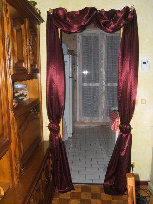 Le rideau encadrement de porte blog de crea gogo95 - Changer encadrement porte ...