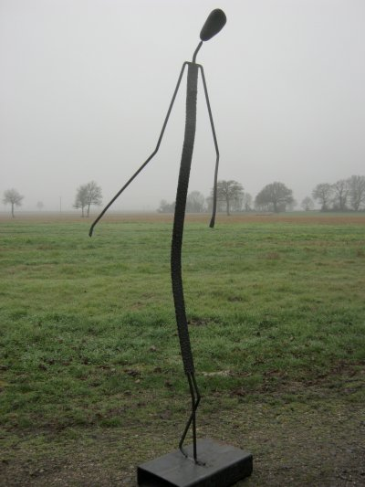 La longue Dame Brune