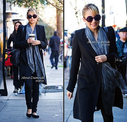 .FEBRUARY 27TH, 2011 - NICOLE IN WEST HOLLYWOOD THE AFTERNOON .