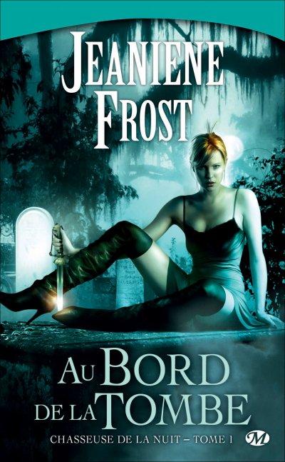 Au bord de la tombe de Jeanine Frost