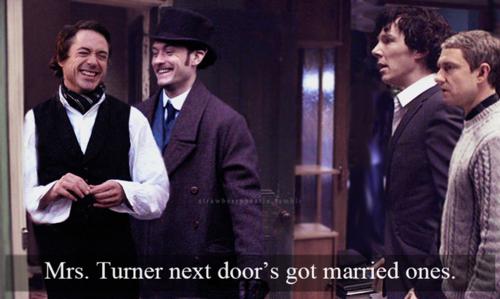 """Mrs Turner en face """"en a"""" même qui sont mariés !..."""