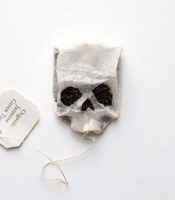 Je me suis déjà dit que les sachets de thé de Sherlock pourrait ressembler à ça...