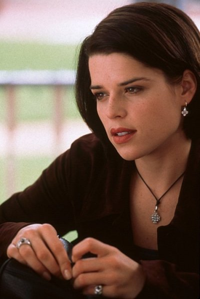 Neve Campbell in Scream 2