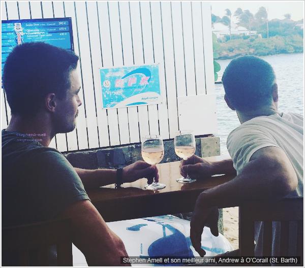 *INSTAGRAM — Nouvelle photos posté par Stephen Amell sur son compte Instagram.   Découvrez de toutes nouvelles photos posté par Stephen Amell sur son compte Instagram avec sa femme, Cassandra, sa fille Mavi et ses amis où ils profitent de leur dernière journée en vacances à St. Bart dans les Caraîbes.
