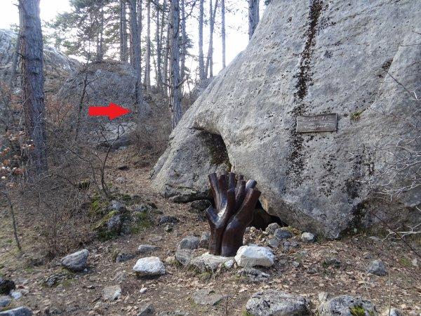 33324 - la ciste de ceux qui ont dit non (1/2) : la grotte de Louis