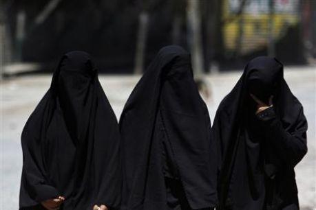 Le voile, prescription islamique visant toutes les femmes ou seulement les épouses du Messager ?