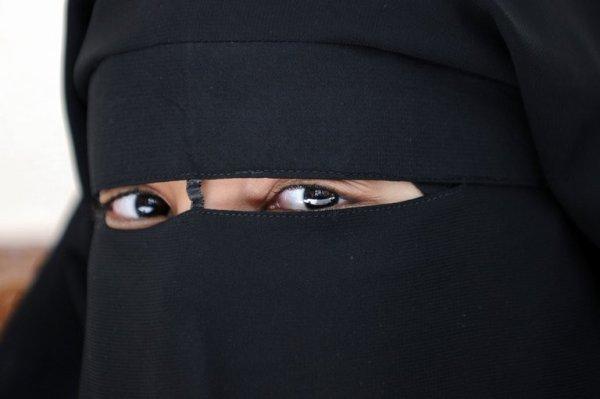 Elle encourt jusqu'à trois ans de prison pour avoir violenté une Emiratie portant le niqab