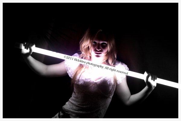 Hélène dit : que la lumière soit ! .. et la lumière fut !