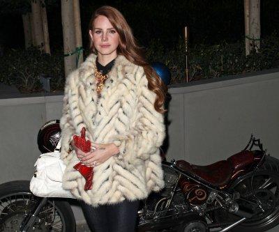16/03/2012 : Lana était présente au Gala organisé par UCLA, ++ de nouvelles photos.