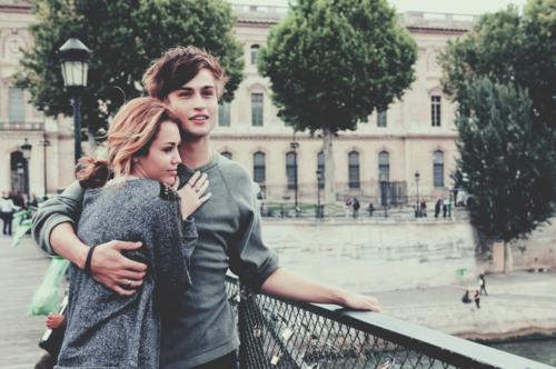 Puisque l'amour c'est con et puisque ça déçoit, je veux que tu sois ma plus belle déception.