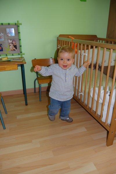 Baptiste : 14 mois: 25/06/2011: ça y est, je marche ! ! !