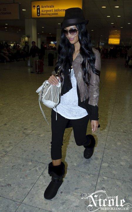 Nicole aéroprt de Londres 14/09/2010
