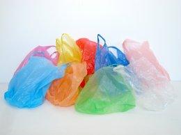 Les sacs plastiques ENFIN interdits (mais pas encore complètement)