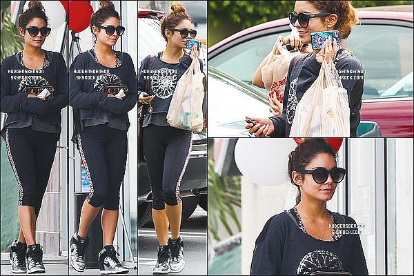 27/08/13 : Nessa a été aperçue alors qu'elle se rendait à son cours de gym avec Stella dans le West Hollywood.