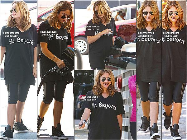 29/08/13 : Ashley a été photographié alors qu'elle quittait son habituel cours de gym, seule dans Los Angeles.