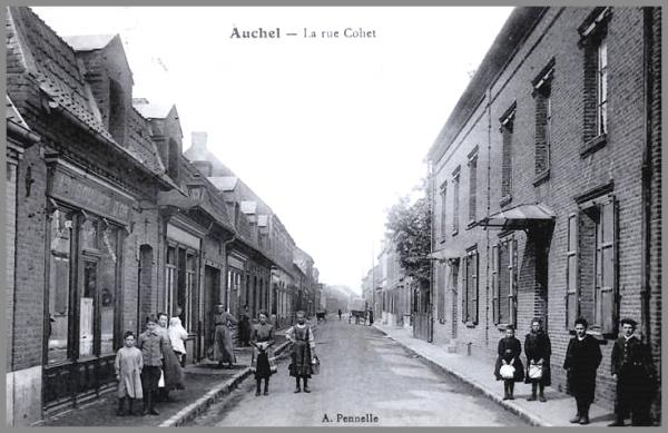 AUCHEL (62) - ANCIEN COMMERCE - LE SOULIER D'OR - RUE COHET -