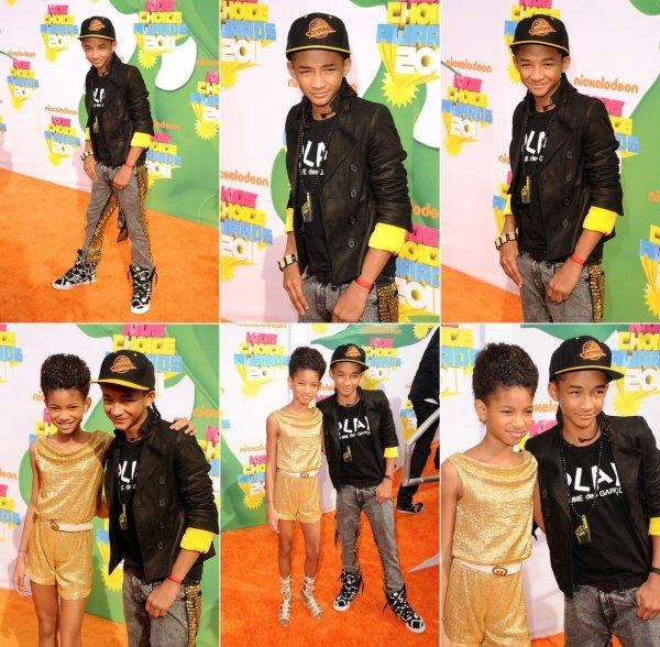 _ 02 avril, Kid Choice Award : Alors, pour la tenue de Jaden, j'hadère totalement, mais pour celle de Willow, j'aime vraiment pas du tout .. Bon bah ça arrive hein ^^  _
