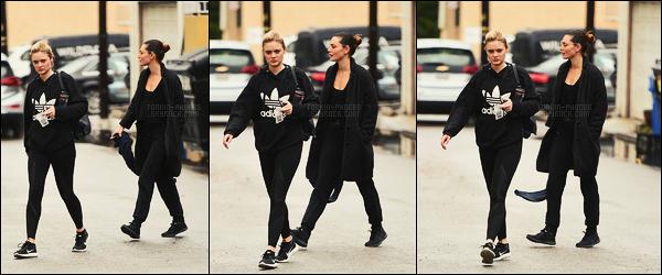 09/01/18 -  La sublime Phoebe Tonkin et son amie Bella Heathcote sortant de la gym  dans Los Angeles. Très peu de photos pour cette sortie entre copines, dommage. Côté tenue, c'est sportif et pour ce thème, j'aime assez, un top  & vous ?