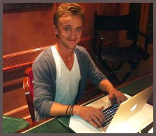 Résumé du chat entre Tom Felton et Six String Productions