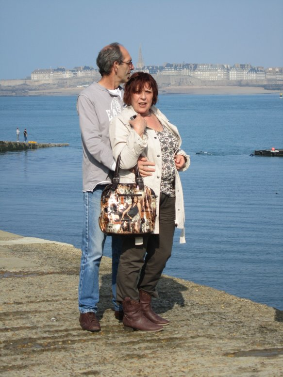 <<<<< OH LA LA !!!! JE ME PREND POUR VALERIE DAMIDOT .... + photos de moi et mon mari en Bretagne >>>>>