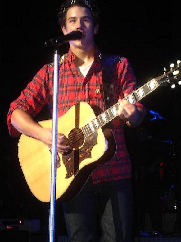 Nick pendant le concert à Detroit le 01.09
