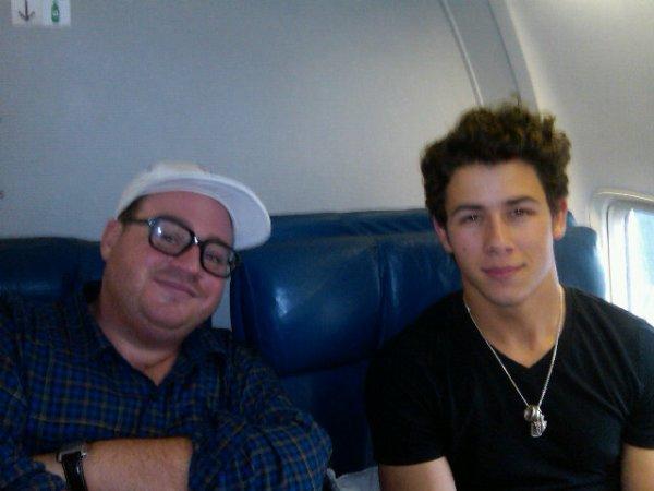 Nick et John dans l'avion direction Mexico le 22.10
