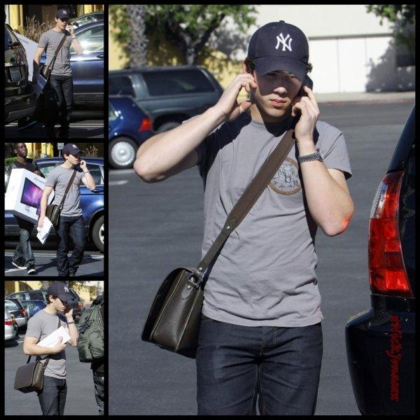 Nick Jonas en Californie le 22.01