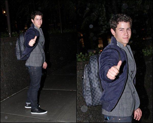 Nick et Kevin le 19.10 et Nick rentrant à son hôtel le 27.10