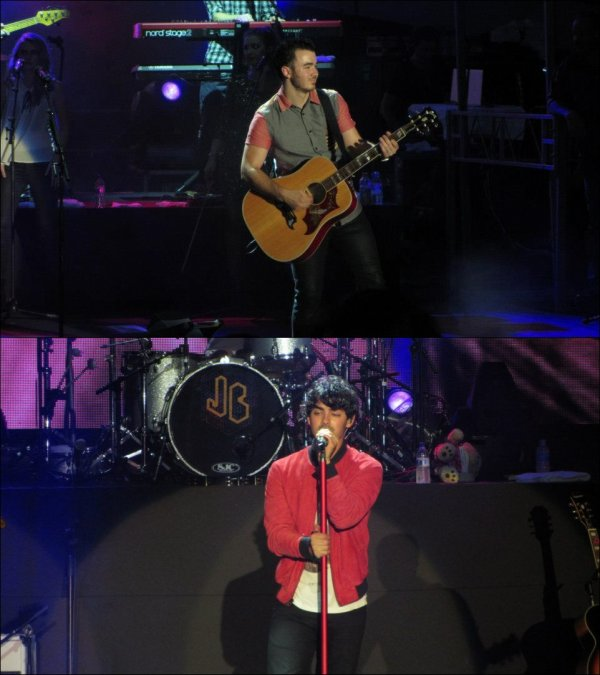 22.10.2012 Concert des Jonas Brothers à Singapour + Vidéo Wedding Bells + Photo de l'instagram de Nick