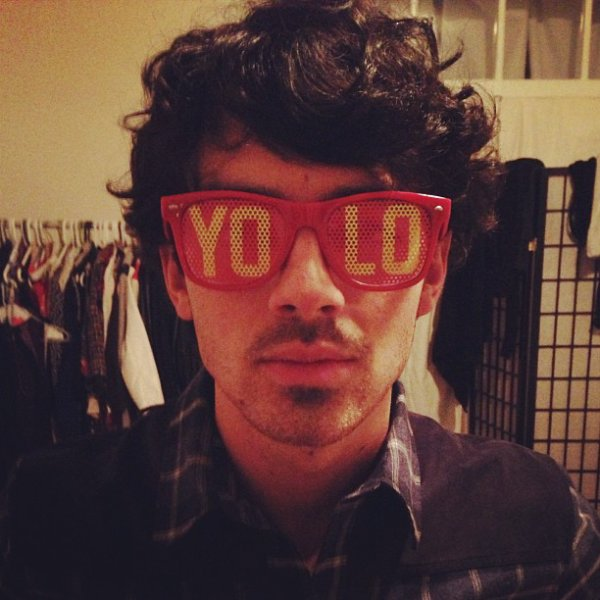 Photos de l'application Jonas Brothers + Photo de l'Instagram de Joe