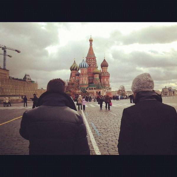 Photos Instagram de Joe , de Nick et de John Taylor + Vidéo des Jonas à St Petersbourg + Les Jonas Brothers à Moscou