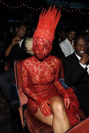 Le déguisement de Lady Gaga va-t-il cartonner pour Hallowen ? !!!!!