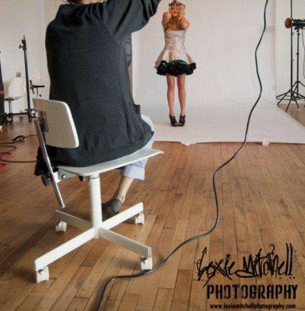 . Photoshoot réalisé par Tiffany Rose au P3R Publicity Offices à Beverly Hills.+ de photos . En dessous, vous trouverez des photos prises pendant le photoshoot d'Emily pour le magazine Faze. . .