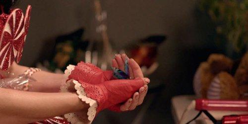 SUITE :  KATY PERRY     Tout sur les Messages qu'elle fait passé à travers sa Music.
