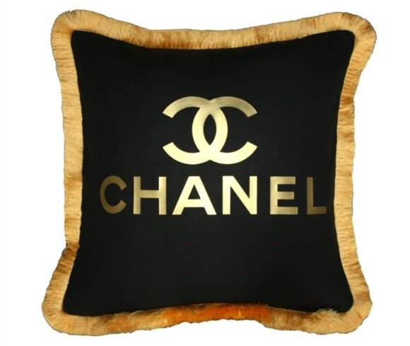 coussin chanel plusieurs coloris 65 mode chic d tail choc. Black Bedroom Furniture Sets. Home Design Ideas