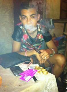 Moi que je fume la chicha apres je fume taguele de chein.
