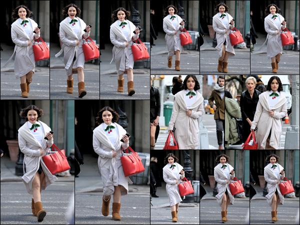 .19/03/2019 - Lucy Kate Hale a été aperçue sur le tournage de sa nouvelle série Katy Kenee dans les rues de New York.   Encore une fois sur le tournage de sa nouvelle série que nous avons aperçue miss Hale un gros top pour la miss ! J'ai hâte de voir çà !! .