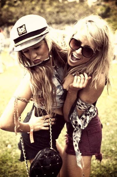 « Un des plus grands bonheurs de cette vie, c'est l'amitié ; et l'un des bonheurs de l'amitié, c'est d'avoir à qui confier un secret »