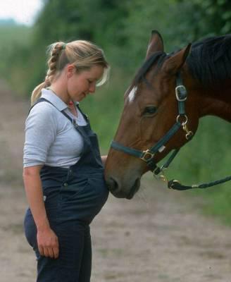photo cheval femme enceinte