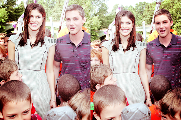 CANDIDS | 26.07.13 | Logan et sa co-star Alexandra Daddario ont été photographié à Brooklyn.  • Les deux co-stars de la saga Percy Jackson ont visité le Camp Half Blood à Brooklyn à New York ce vendredi !