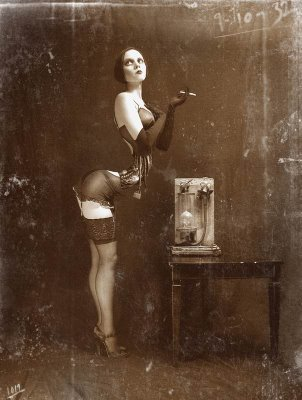 jeffery scott, étrangetés et féminin surréaliste