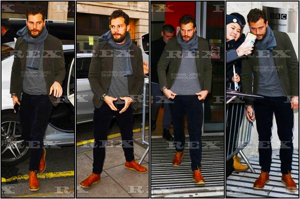 . 31/01/19─Jamie arrivant dans les studios de la Radio BBC 2 pour la promotion d'A Private War. Trop contente d'avoir enfin des news de Jamie , car on ne l'avais pas vu depuis Décembre, j'aime bien sa tenue ! TOP. .