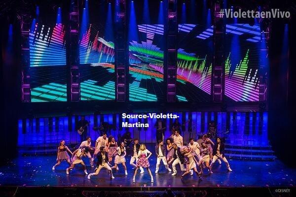 Pack n°2 de Violetta En Vivo