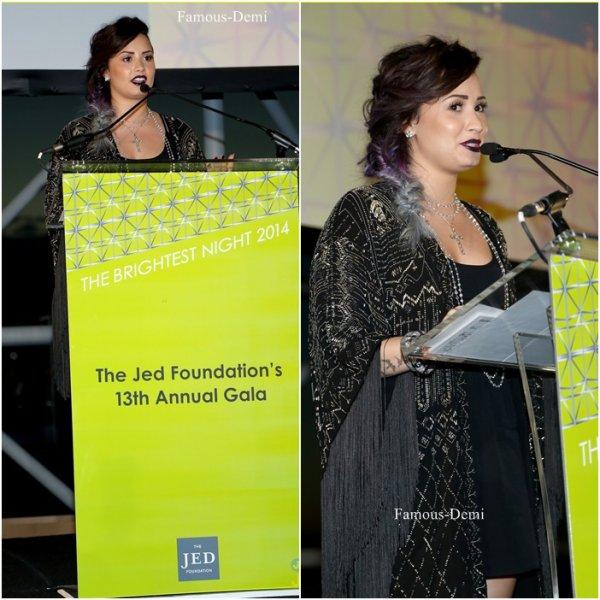 05 juin 2014 | Candid | Demi a donné un discours au gala annuelle de la Jed Foundation