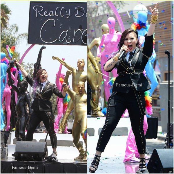 08 juin 2014 | Candid |Demi a chanté a la Gay Pride De Los Angeles