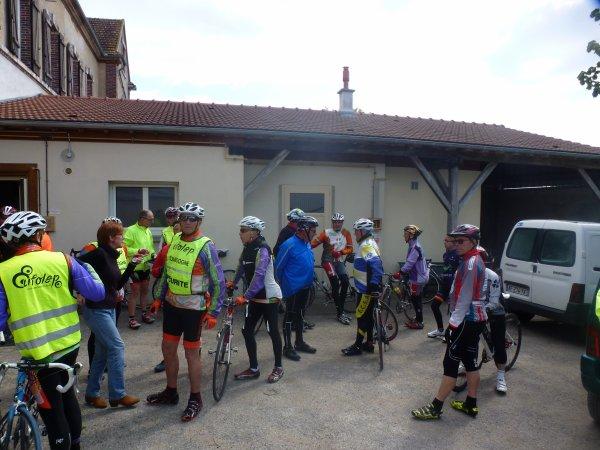 Mercredi 19 avril - Challenge des Anciens à Avrolles - 114 km - Circuit de 64 km + 50 km Monéteau /Avrolles (AR)