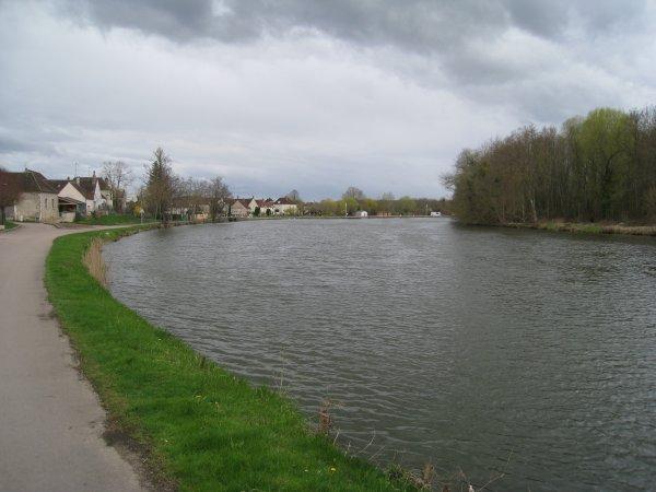 Mercredi 4 avril - 50 km de vélo en solo, entre 2 averses !
